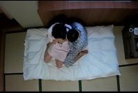 温泉旅館人妻マッサージ師 固くなったチ○ポ欲しさに下半身マッサージ●撮 PART1  IQPA-077-1
